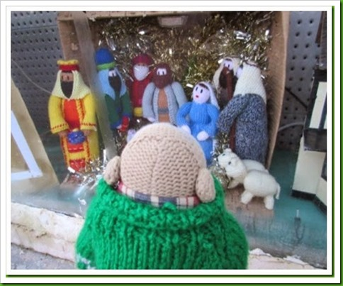 Knitted nativity. motorworld window_thumb[2]