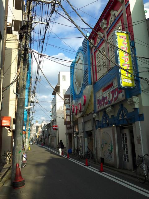 伊勢佐木町から曙町の間のファッショナブルな通り