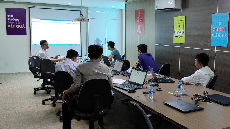 Hình ảnh đào tạo sử dụng phần mềm quản lý dự án đầu tư iBom.IM tại văn phòng Công ty CP Cát Tường