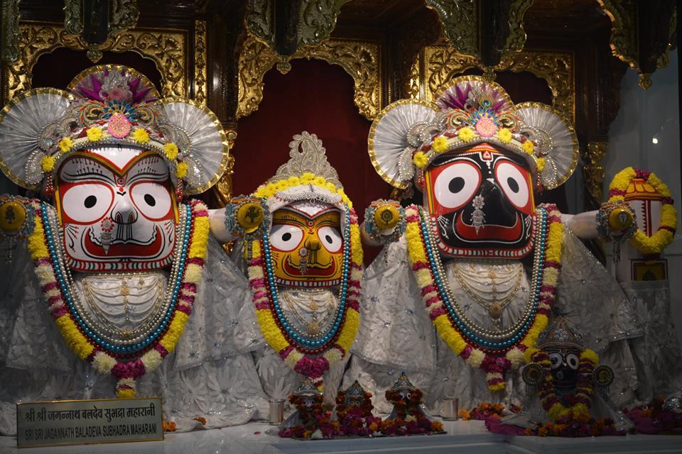 ISKCON Ujjain Deity Darshan 06 Jan 2017 (2)