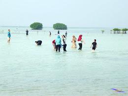 family trip pulau pari 090716 Fuji 175