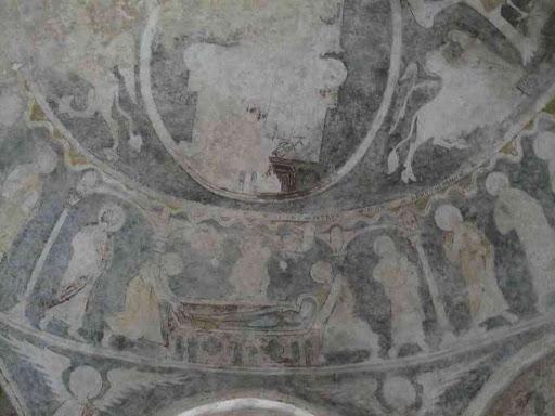 Intérieur de la chapelle de Peyrusse