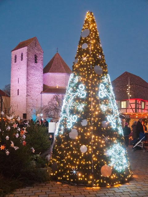 Weihnachtsmarkt im elsässischen Ottmarsheim