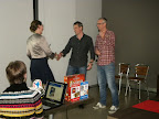White Goblin Games neemt prijs voor NSP familiespel in ontvangst voor Qwixx