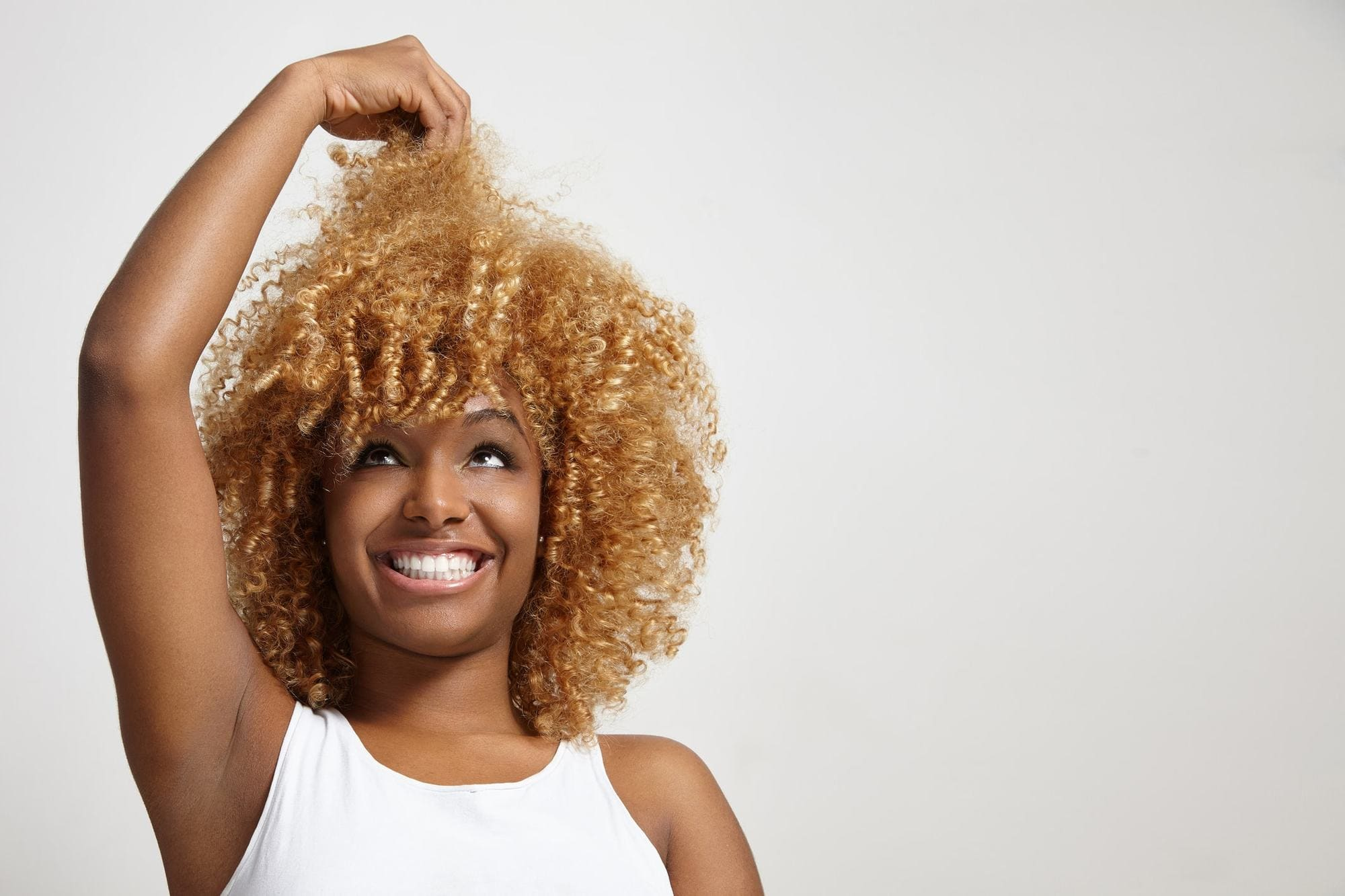 2018 Blonde Curly Hair : Exclusive Styles For Beautiful Womans 12