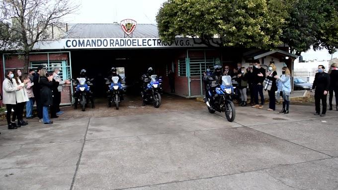 Entregaron 4 motos para Comando Radioelectrico de Villa Gdor. Gálvez
