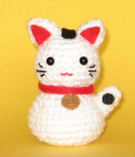Amigurumi Cat Pattern Japanese : 2000 Free Amigurumi Patterns: Onni the Beckoning Cat ...