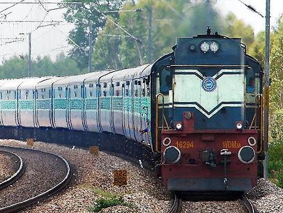 राहत की खबर / स्पेशल ट्रेनों के लिए 22 मई से वेटिंग लिस्ट जारी करेगा रेलवे, मेल और एक्सप्रेस ट्रेनें भी शुरू हो सकती हैं