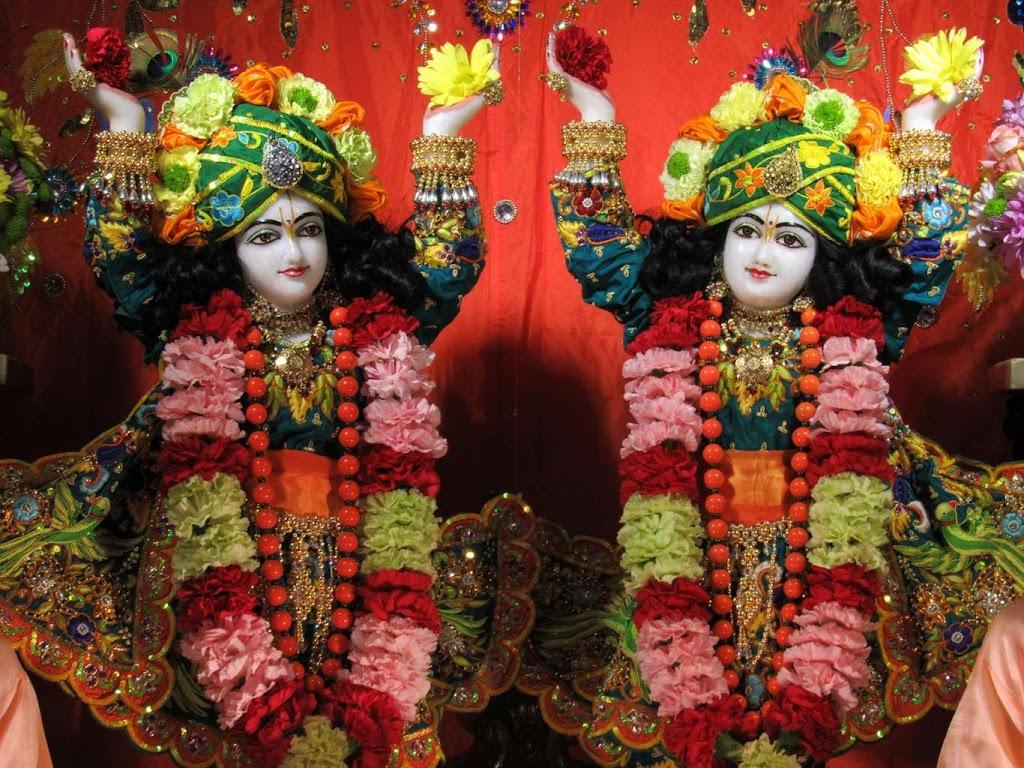 ISKCON Chicago Deity Darshan 14 Dec 2015 (2)