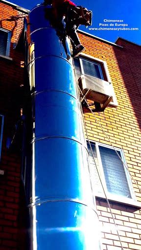 Chimeneas picos de europa instalaci n tubos salidas de for Instalacion de chimeneas