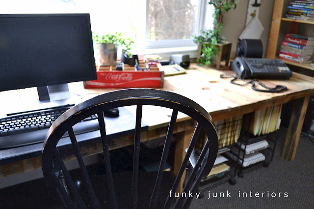 pallet wood projects desk via Funky Junk Interiors