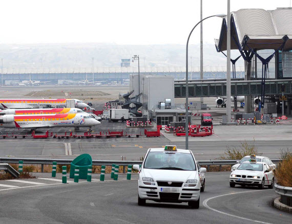 Aparcamiento exprés gratis para la subida y bajada de pasajeros en el Aeropuerto de Barajas