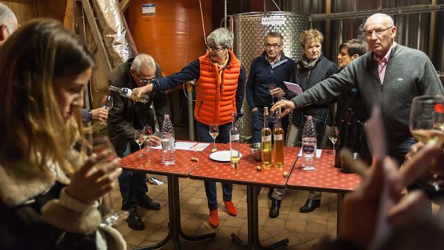2015, dégustation comparative des chardonnay et chenin 2014. guimbelot.com - 2015-11-21%2BGuimbelot%2Bd%25C3%25A9gustation%2Bcomparatve%2Bdes%2BChardonais%2Bet%2Bdes%2BChenins%2B2014.-139.jpg