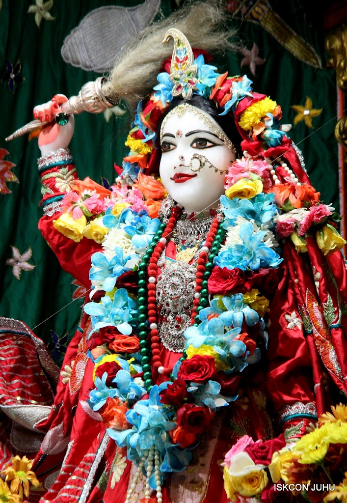 ISKCON Juhu Sringar Deity Darshan on 28th Aug 2016 (11)