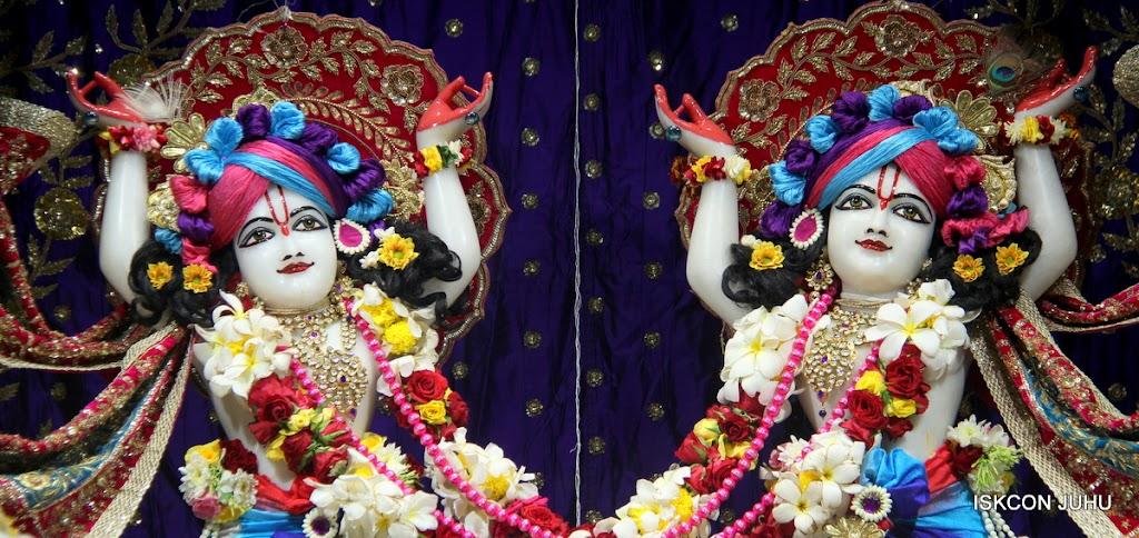 ISKCON Juhu Sringar Deity Darshan on 1st May 2016 (35)