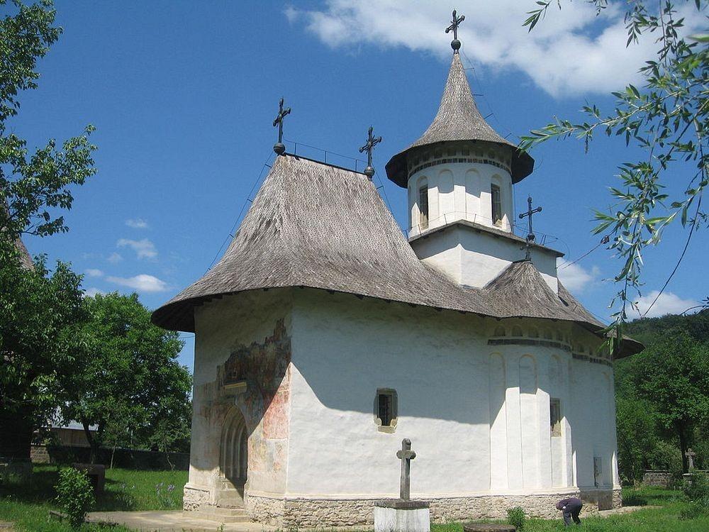 patrauti-monastery-1