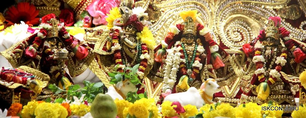 ISKCON Juhu Sringar Deity Darshan on 5th Aug 2016 (12)