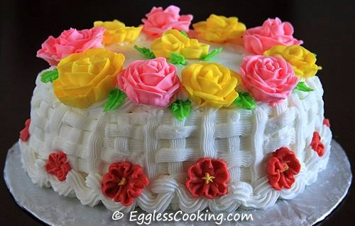 How to decorate cake using royal icing