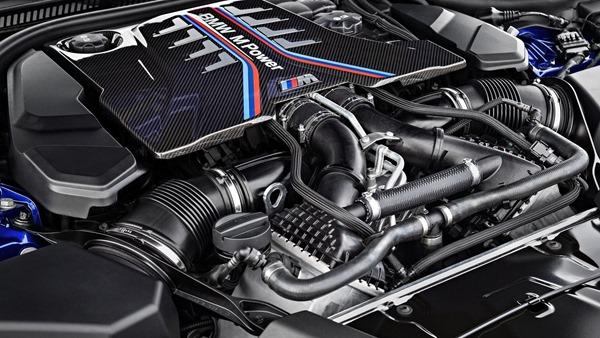 BMW-M5-2018-engine