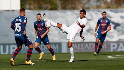 ملخص واهداف مباراة ريال مدريد وهويسكا (4-1) الدوري الاسباني
