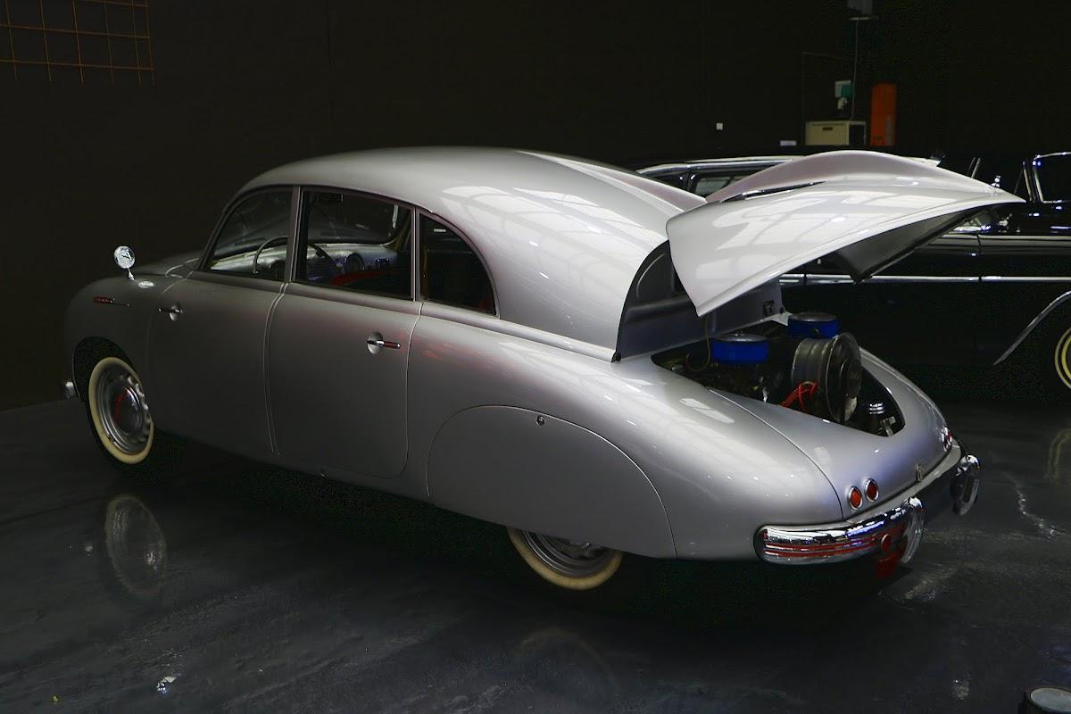 1950 Tatra 600 Tatraplan (06).jpg