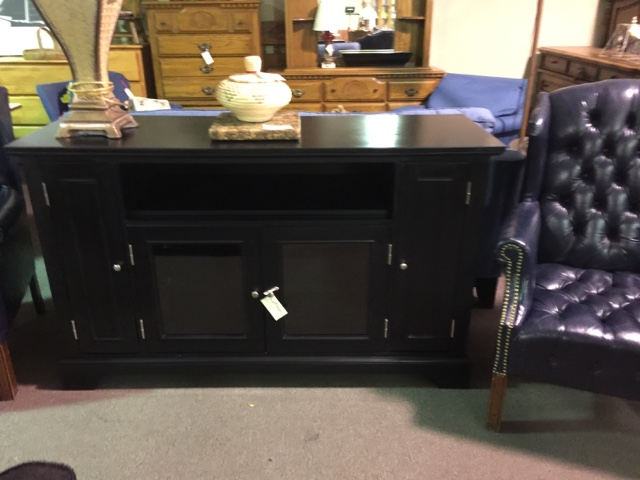 Posted By Design Furniture Consignment At 8:59 AM 4 Comments