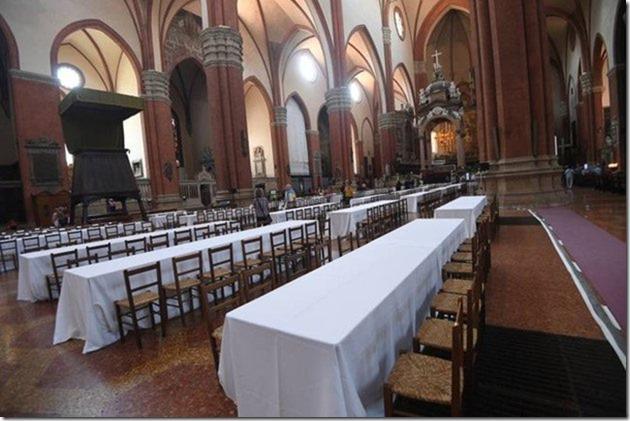Mittagstisch für Häftlinge und Migranten in Kathedrale