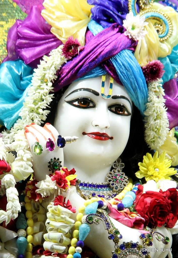 ISKCON Juhu Sringar Deity Darshan on 28th April 2016 (16)