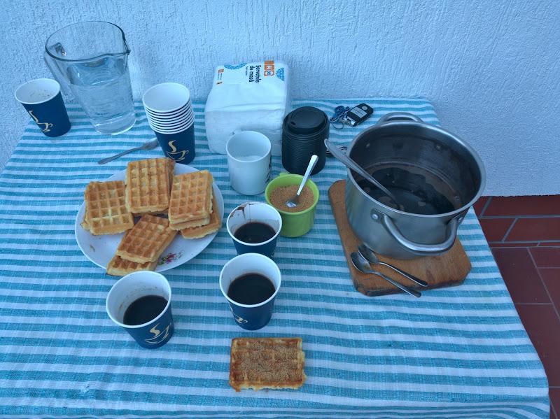 A doua zi de dimineata, acasa la Ionut cu o cafea numai buna sa ne puna pe picioare.
