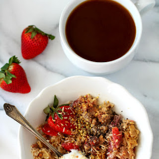 Skinny Strawberry Cheesecake Baked Oatmeal {dairy-free & gluten-free}.