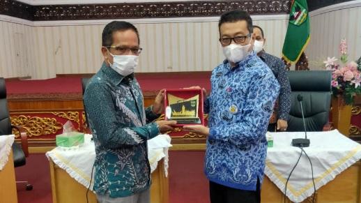 Tuntaskan Ranperda SPBE, Pansus III DPRD Indragiri Hilir Sambangi Provinsi Sumbar