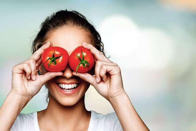 الآثار الجانبية لتطبيق الطماطم على الوجه