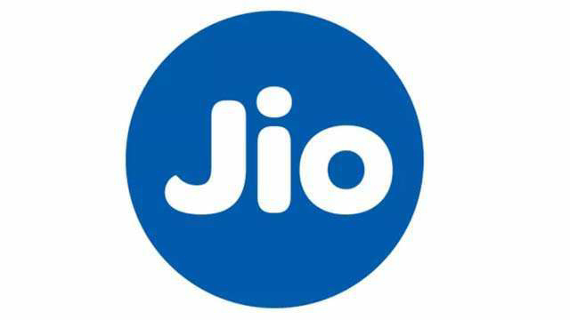 Under Reliance Jio's Jio Data Pack, users can get 2GB daily data free.This offer will be available with a validity of 4 days