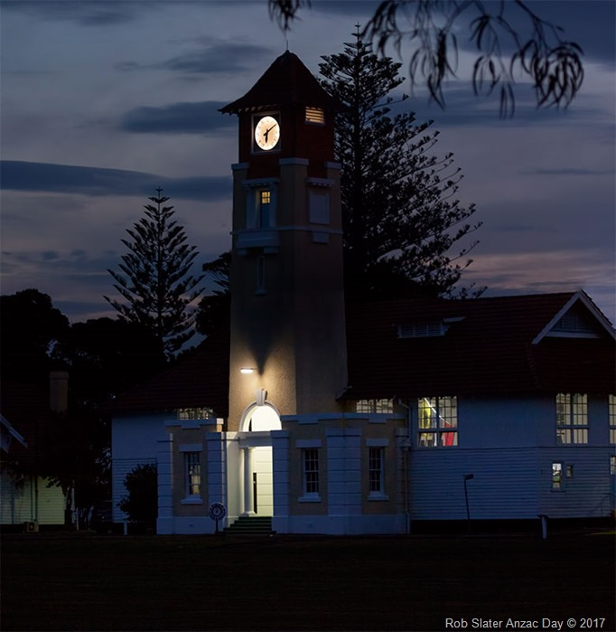 clock-tower-anzac-day-2017