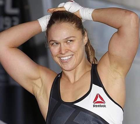 Ronda Rousey showing bodybuilding image