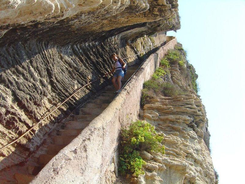 escalier-du-roi-daragon-2