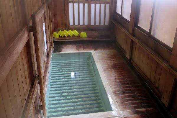 蔵王温泉 自噴源泉 すのこの湯 かわらや