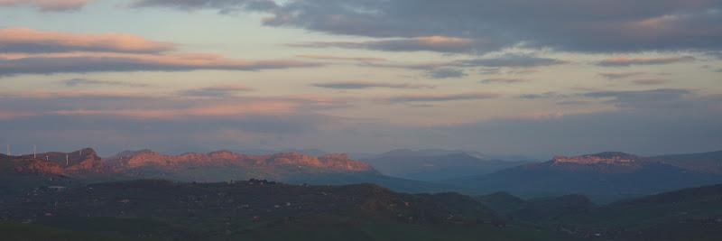 Sicilia centrala, cea a oraselelor urcate pe coline, a stanelor si a zonelor rurale.