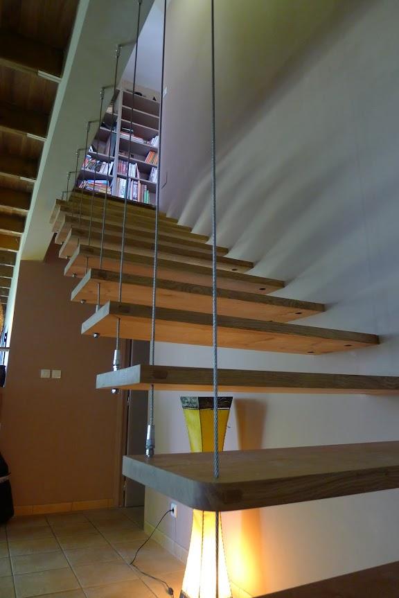 étagère en chêne suspendues.. P1000056