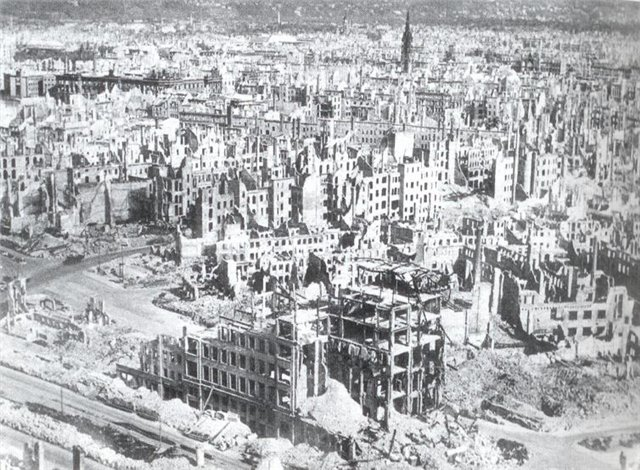 Дрезден 1945 или почему КНДР не хотят демократию