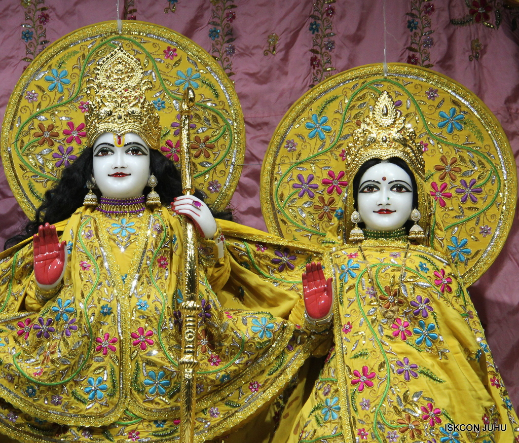 ISKCON Juhu Mangal Deity Darshan on 18th Jan 2017 (7)