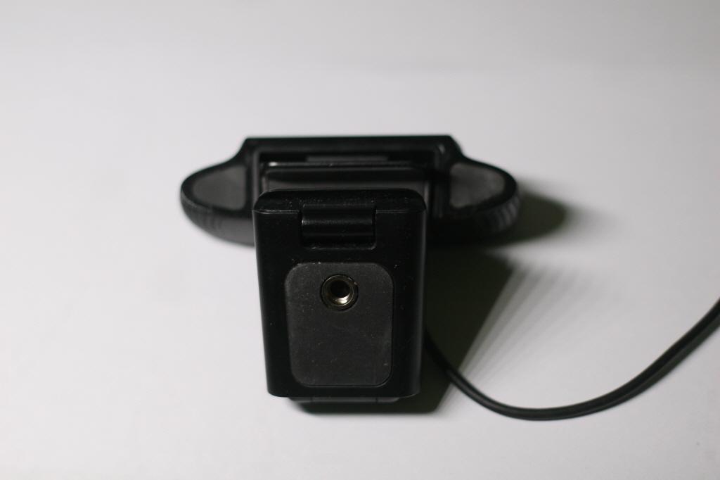 로지텍 c920 웹캠 삼각대 연결 홈