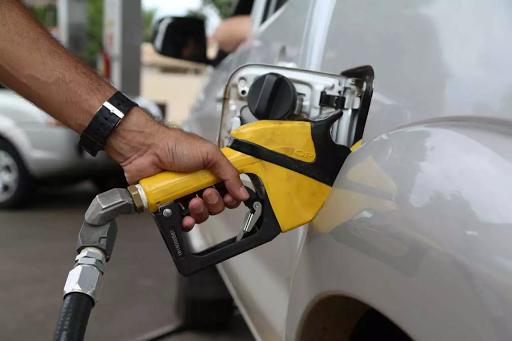 Preço do diesel e da gasolina nas refinarias sobe até 5% a partir desta terça