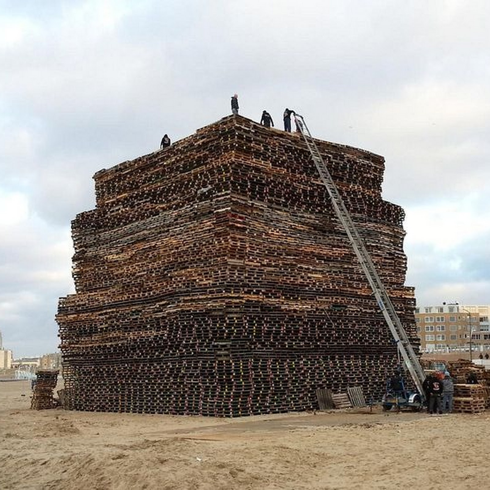 The Battle For The Largest Bonfire in The Netherlands