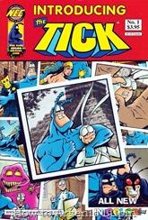 """¡¡¡¡¡¡¡¡¡¡¡¡¡¡¡¡¡¡SSSSSSSSSSSSSSPOOOOOOOOOONNNNNNNNNNN!!!!!!!! Mientras esperamos a ver si nueva serie de The Tick tiene luz verde luego de la Amazon Pilot Season (tiene que pelear contra Jean-Claude Van Johnson), acá en el blog les sugerimos disfrutar de 10 cómics nuevos del arácnido azul, tradumaqueteados por el magnifico juanddh. Estos son 2 especiales: The Tick Big Back To School Special y The Tick """"Introducing The Tick"""", mas la miniserie de 8 números conocida simplemente como: The Tick - New Series. A disfrutar del mejor cómic independiente :)"""