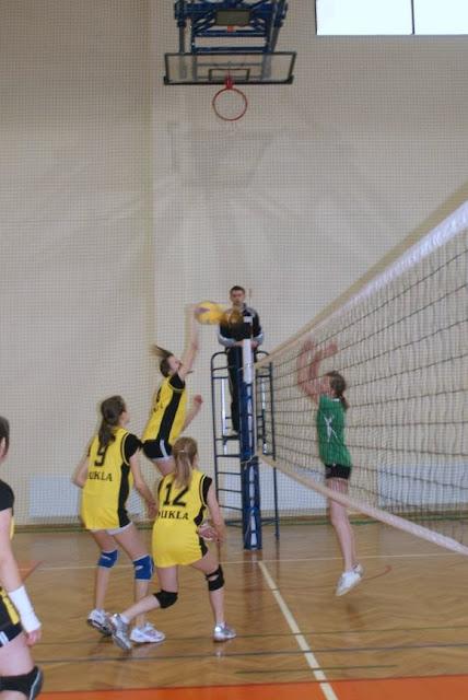 Zawody siatkarskie dziewczat 1 marca 2011 - DSC09314_1.JPG