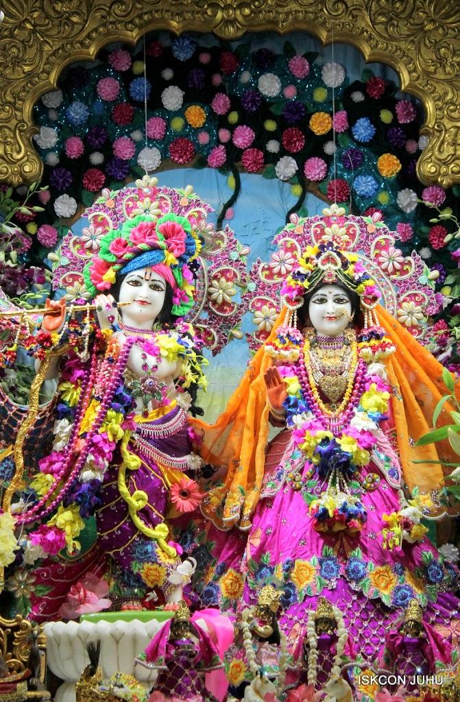 ISKCON Juhu Mangal Deity Darshan on 25th Aug16 (6)