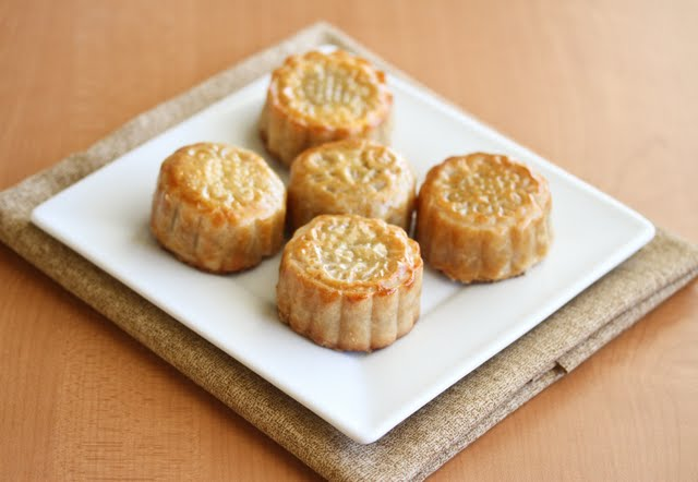 photo of 5 mooncakes on a plate