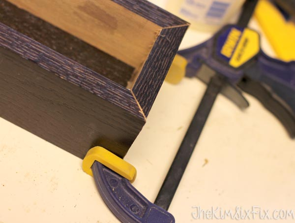 Clamping flower box for nailing