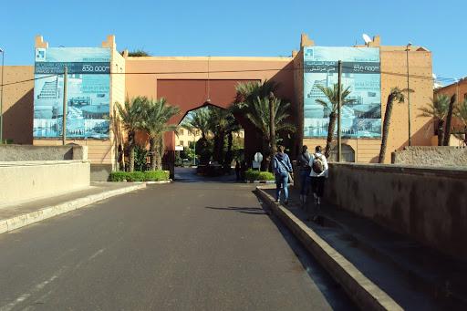 poort naar Riad Dar Beldia.JPG
